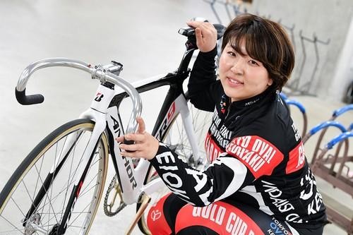 【ガールズ名鑑♀】美人かわいい競輪選手「鈴木彩夏」のプロフィールから個人情報まで